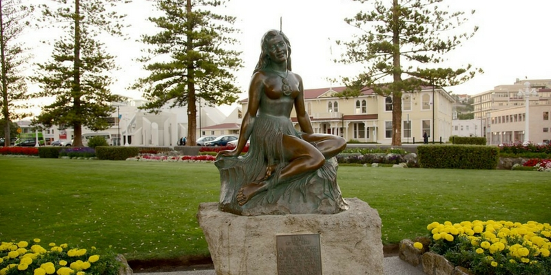 Tiro Haere - Maori Art Deco Tours